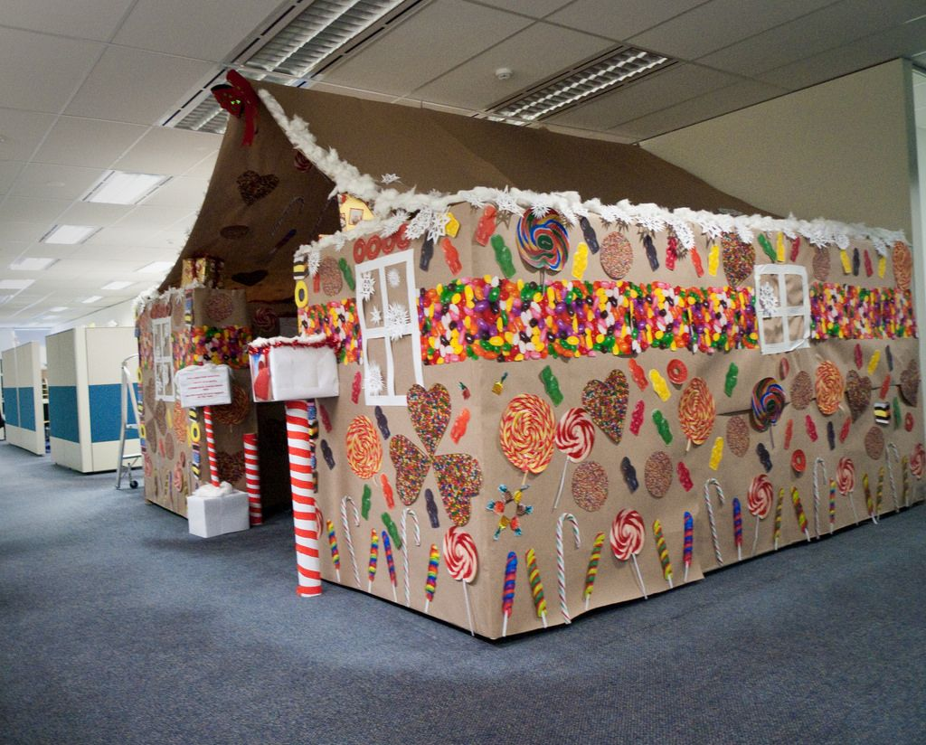 Gingerbread House Cubicle